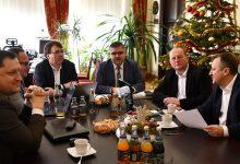 Photo of Bochnia. Radni wojewódzcy na posiedzeniu Zarządu Powiatu