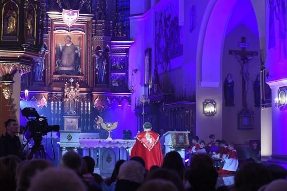 Photo of Od 30 maja wierni wracają do kościołów