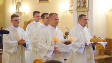 Photo of Jan Kurek z Poręby Spytkowskiej przyjął święcenia diakonatu. Kiedyś był sołtysem w Porębie Spytkowskiej!