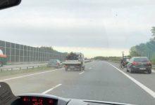 Photo of Samochód uderzył w bariery na autostradzie A-4 / Szczepanów / 22 maja 2020 r.