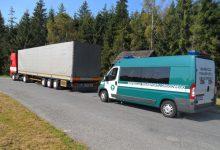 Photo of Przez granicę bez zezwoleń i karty kierowcy