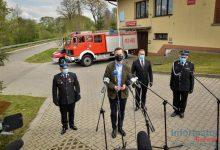 Photo of Władysław Kosiniak-Kamysz z wizytą u strażaków w Porębie Spytkowskiej / 4 maja 2020 r.