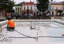 Photo of Remont fontanny na Rynku w Brzesku / zdjęcia