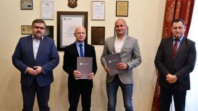 Photo of 4,5 miliona złotych na przebudowę dróg w Królówce i Rzezawie