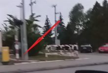 Photo of Kolejny wyłamany szlaban na przejeździe kolejowym w Sterkowcu / 18 czerwca 2020 r.