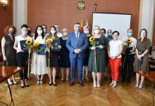 Photo of Starosta wręczył nauczycielom awanse zawodowe / zdjęcia