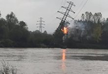 Photo of Gmina Zakliczyn / Słup linii wysokiego napięcia omal nie runął do Dunajca / 16 października 2020 r.